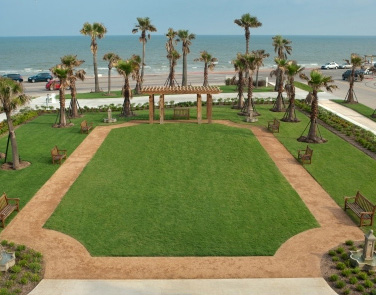 Hotel Galvez lawn
